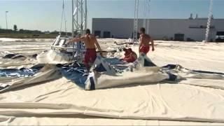 Aufbau eines der größten mobilen Zelte der Welt 60x110m 27m hoch Großzelt