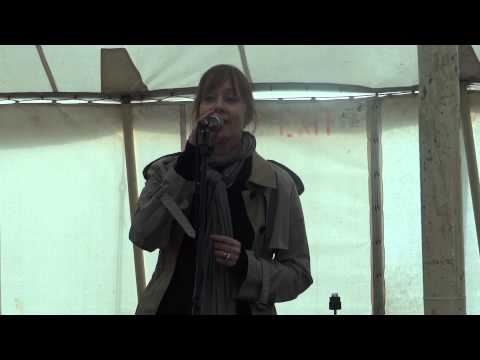 Suzanne Vega at the Isle of Wight Festival 2013 Unprogrammed performance, pure magic !