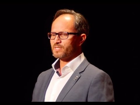 A broken childhood inspires purpose | Nelson Hincapie | TEDxFIU