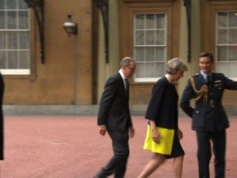 Raw: Theresa May Arrives at Buckingham Palace
