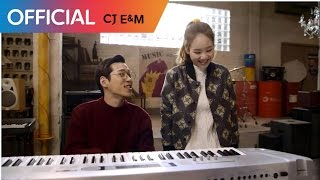 Youtube: She Is Smiling / U Sung Eun, Jinyoung (B1A4), Min Hyo Rin & ULALA SESSION