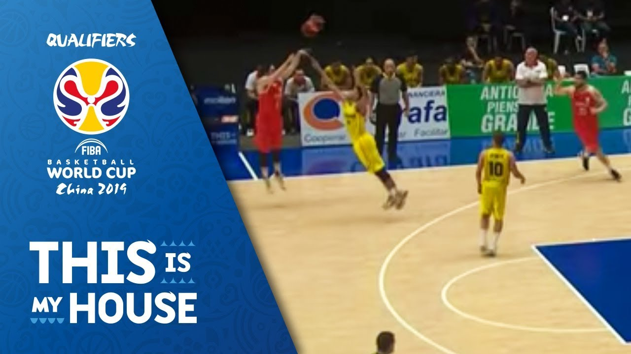 TISSOT BUZZER BEATER! - Pablo Coro increases Chile's lead to 10pts before the half!