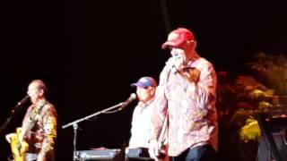 Beach Boys: I get around - Kings Theater Brooklyn New York 2-9-2016