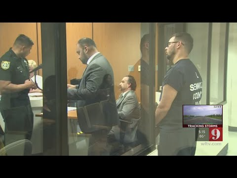 Video: Employee stole 735 cellphones, worth nearly $600K, Casselberry police say