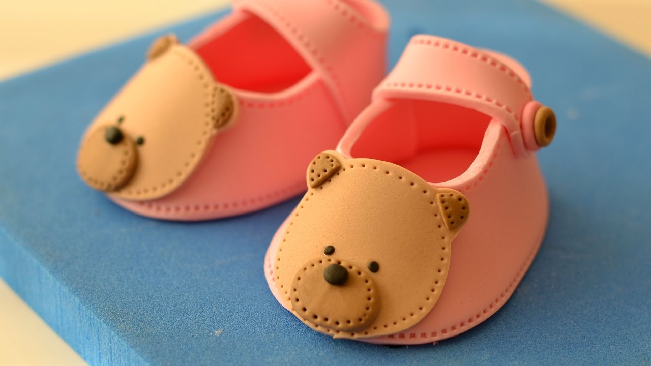 Fondant Baby Shoes Tutorial