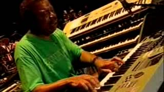 Смотреть клип Santana - Yaleo Locarno