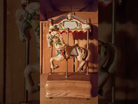 Willitts Designs Tobin Fraley Collection Melodies Horse Carousel Waltz Music box Limited edition