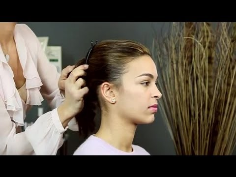 How to Wear a Banana Comb : Hair & Beauty Tips