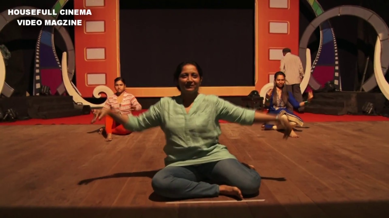 Download Pooja Pawar Reahearsing on stage for Chitrakarmi Puraskar 2017