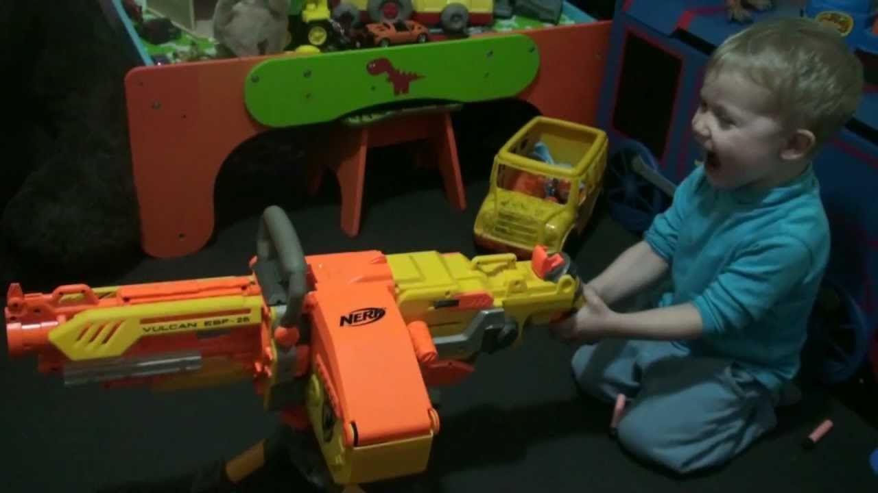 Nerf является брендом игрушечного оружия, основанным в 1969 году и в настоящее время принадлежащим hasbro. Все бластеры нерф, объединяет общая черта: они стреляют патронами из легкого пенистого материала. Оружие делится на классы легкие пистолеты, скорострельные штурмовые и.