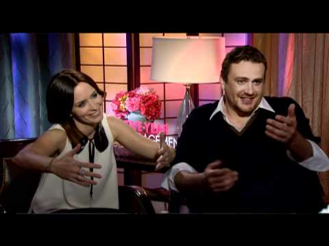 Jason Segel and Emily Blunt Interview for THE FIVE YEAR ENGAGEMENT