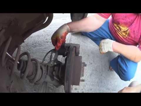 замена тормозных колодок Nissan almera N16