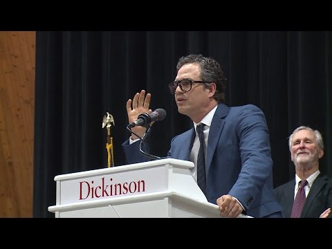 Mark Ruffalo to Grads: Buck the System