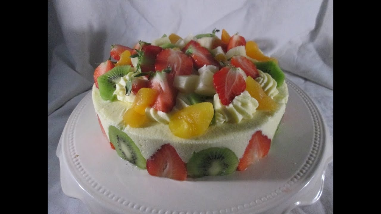 Le g teau aux fruits tutti frutti youtube - Decorer un gateau avec de la chantilly ...