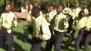 Pwani yenye dhahabu-Amkeni fukeni choir
