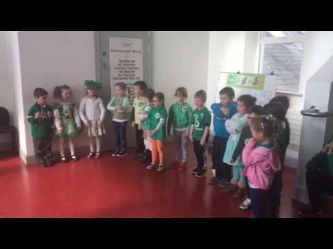 Na Naíonáin Shóisearacha Ceolchoirm Seachtain na Gaeilge