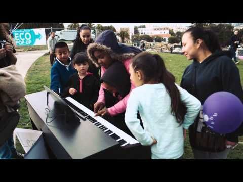 Piano That Teaches You How To Play