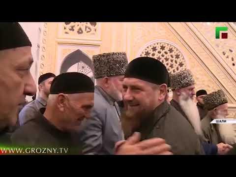 Для празднования Дня рождения Пророка в мечети «Гордость мусульман» собралось около 50 тысяч человек