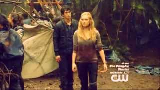 Bellarke - When he looks at her