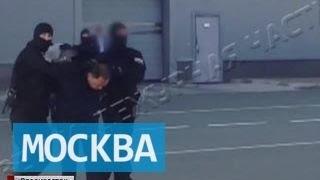 Уникальные кадры этапирования мэра Владивостока в Москву
