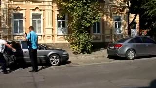 Михаила Кумока несколько парней насильно посадили в машину и увезли