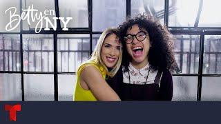 Betty En NY   Detrás de cámaras de los mejores momentos de Patricia Fernández   Telemundo