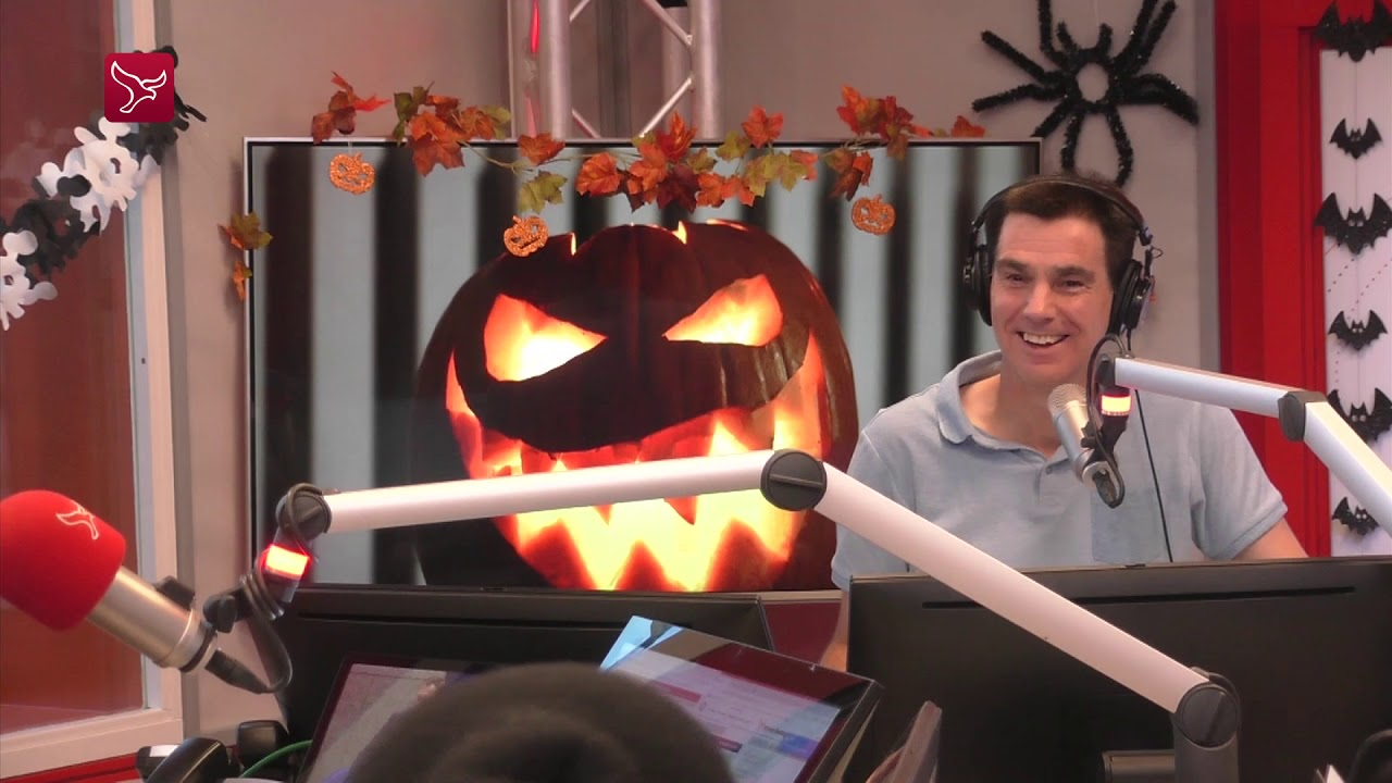 Halloween Feest Almere.Spookhuis Scare Me In Almere Youtube