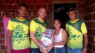 Associação Esportiva de Flores distribui alimentos com famílias carentes da comunidade