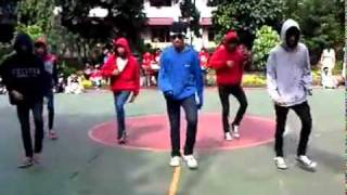 ASTRO 7 SHUFFLE- ASTRO7 performance at SMA Charitas.mp4