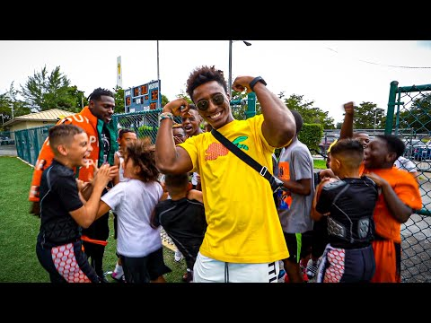SURPRISING FOOTBALL PLAYERS AT THEIR GAMES W/ ANTONIO BROWN.. (INSANE REACTIONS)