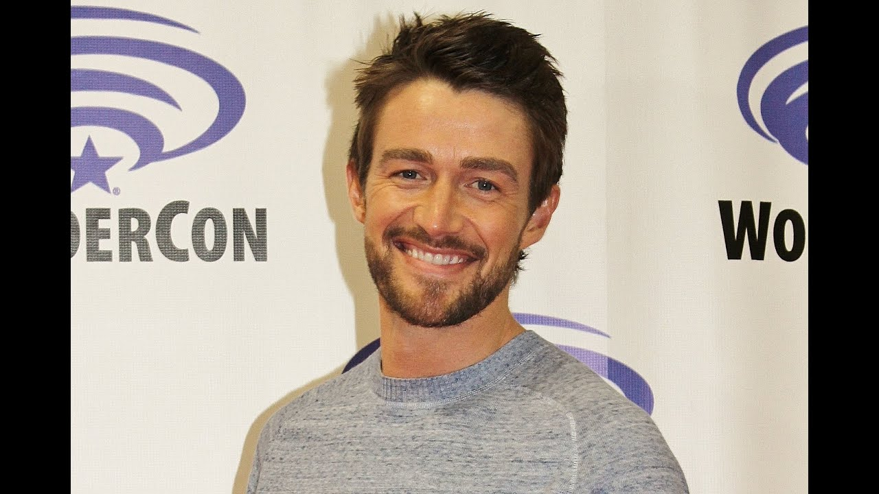 robert buckley twitter