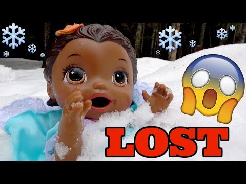 BABY ALIVE gets LOST in the SNOW! The Lilly and Mommy Show. The TOYTASTIC Sisters. FUNNY SKIT!
