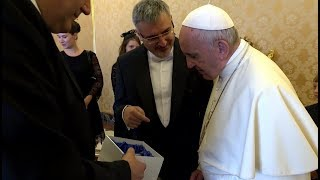 Czech ambassador presents Pope Francis with special gift