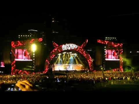 AC/DC Live at Wrigley Field, Chicago, Tuesday September 15, 2015 - part 1