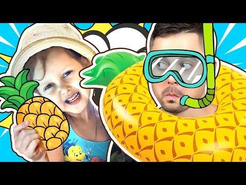 НАДУВНОЕ против Настоящей Еды Челлендж! Плаваем в бассейне с надувашками! Видео для детей! Challenge