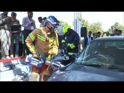 IDEX – Lukas Hydraulic Rescue Tool Demonstration (Car Cutting)