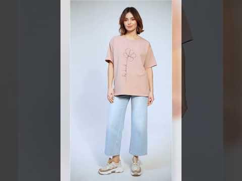 Video: CM5847 Klasyczny t-shirt z nadrukiem - mokka