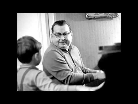 Solovyov Sedoy (Moscow Nights) - Performs by Vazha Kalandadze