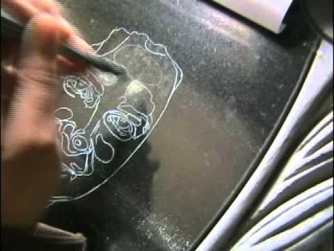 Видео урок как рисовать на камне портреты.
