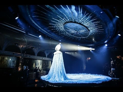 """Review of """"Queen of the Night"""" at The Diamond Horseshoe"""