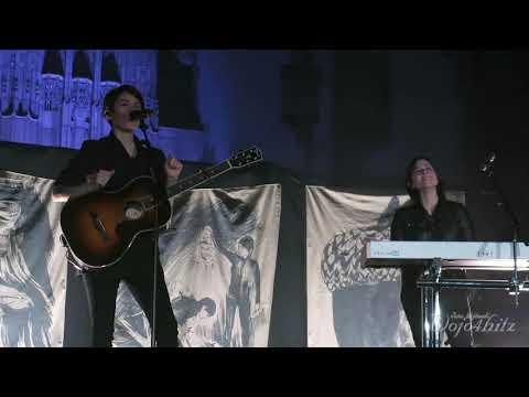 10/22 Tegan & Sara - Non-Consensual Group Love for Sara + 19 @ Rockefeller Chapel, Chicago 11/04/17