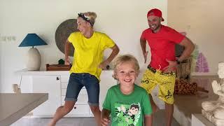 Лев и семья устроили дома зоопарк    Lev Family Show