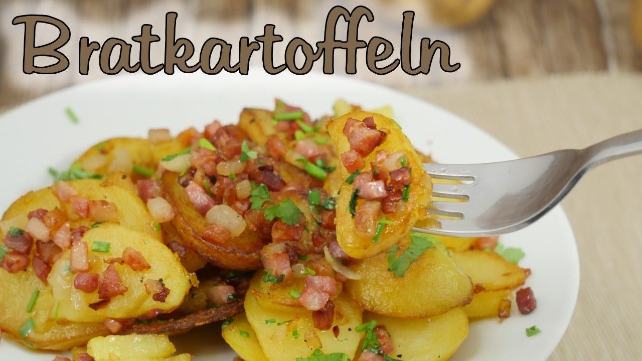 knusprige bratkartoffeln aus gekochten kartoffeln mit speck zwiebeln