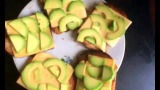 Гренки с сыром и авокадо