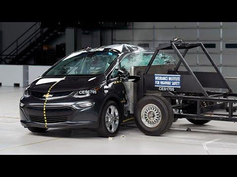2017 Chevrolet Bolt Side IIHS Crash Test