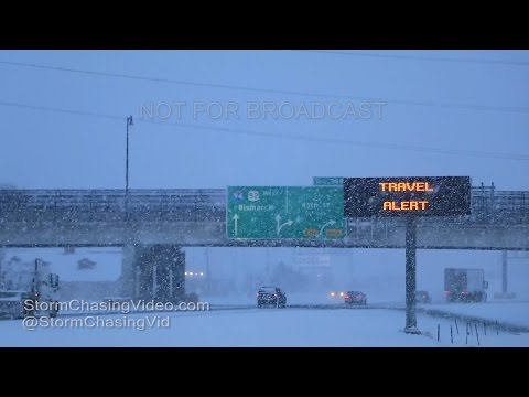 Fargo, ND Intense Early AM Heavy Snow - 1/2/2017