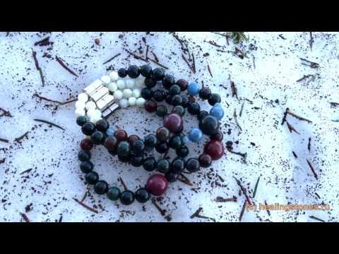 Очистка и зарядка камней на снегу. Гелиотроп камень