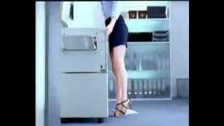 Прикол с девушкой! Очень смешная реклама! )))