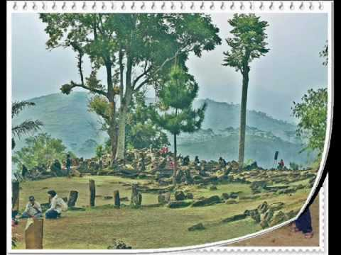 Masih Ada Waktu - Ebit G. Ade / Pictures from a Megalith Tour G. Padang