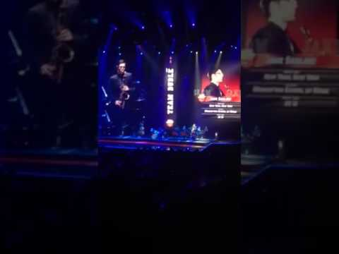 Michael Bublé Introduces Band in Austin, TX